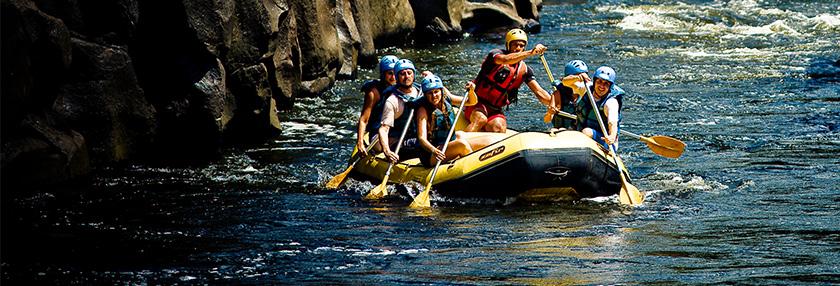 Rafting...  Aventura rio abaixo!