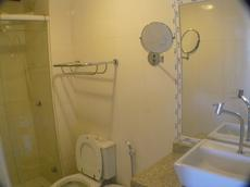 Banheiro do apto superior luxo de 49 m2 de 1 quarto; sala living; cozinha americana; varanda com rede