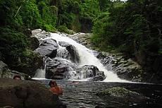 Esta cachoeira da USINA , ou cachoeira onde ocorreu gravações do filme CREPUSCULO ( AMANHECER ).  Fica apenas 30 minutos de caminhada saindo da pousada.