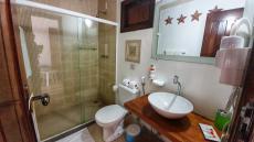 Banheiro da suíte Luxo sem varanda
