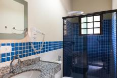 Suíte Luxo e Suíte Luxo Vista. Todos nossos banheiros são iguais.