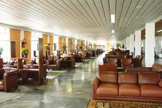 Sala de Estar: Para seu maior lazer e conforto, disponibilizamos uma ampla sala de estar. Local ideal para descansar ou reunir os amigos e familiares para um bate bapo.