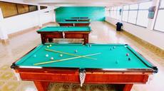 Sala de Snooker:  Um amplo espaço com 06 mesas oficiais de Snooker.