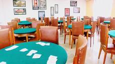 Sala de Carteado:  Ideal para fazer um torneio de cartas entre amigos ou simplesmente um jogo de cartas em dupla.
