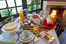 café da manhã com lareira é inesquecível