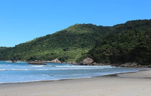 Boa praia mas ondulação forte