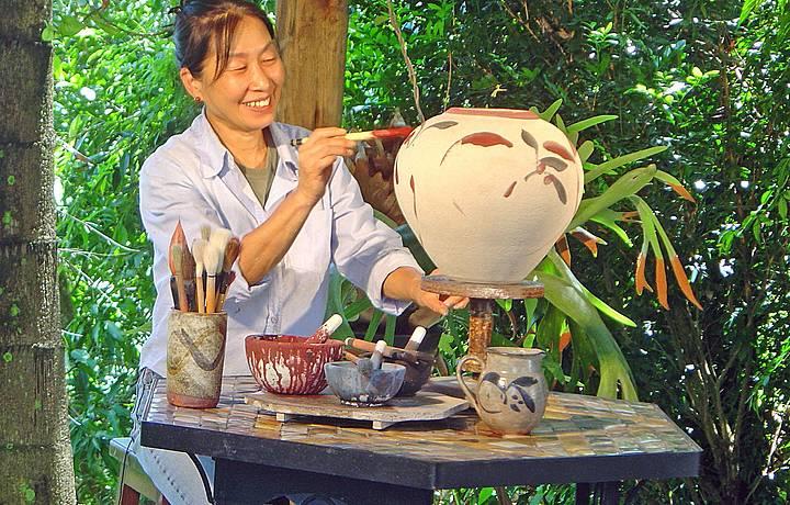Artista Kimiko Suenaga capricha nas pinturas!