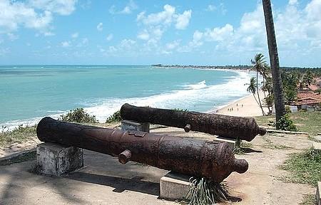 Forte - Construção descortina bonita vista das praias