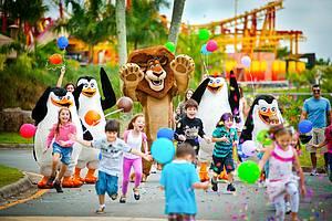 Beto Carrero dá presentão de Dia das Crianças!