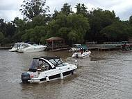 Passeio de barco é boa pedida