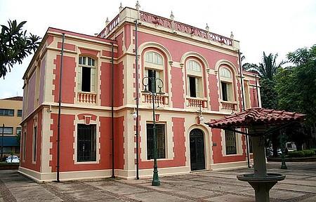 Museu Histórico - Cidade é repleta de espaços culturais