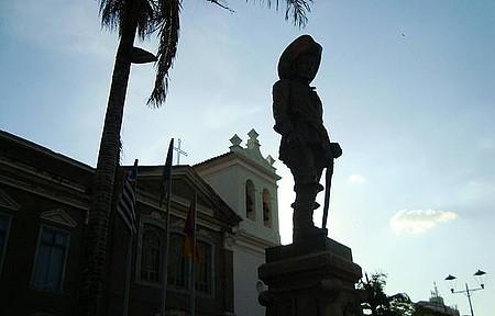 monumento a Baltazar Fernandez - Fundador do Municipio