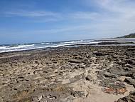 Areia, pedra e o mar...