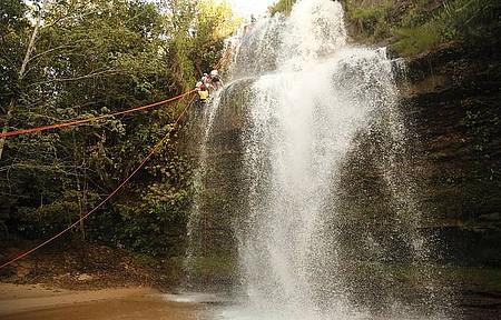 Rapel - Descida tem 27 metros de pura adrenalina