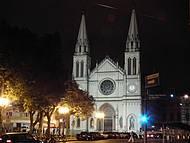 Curitiba à noite: belíssima Catedral
