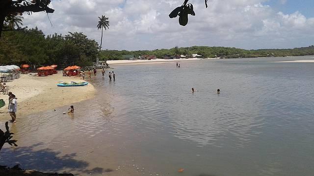 A cheia do rio quando encontra com o mar