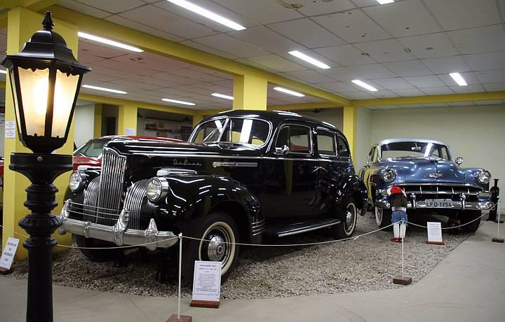 Acervo reúne carros fabricados ao longo do século 20