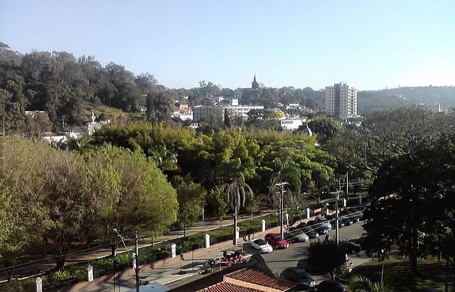 Vista da janela do hotel, em frente o parque das aguas.
