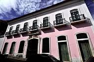 Fachada é pura arquitetura portuguesa