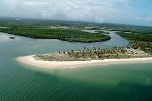 Praia do Saco: Coqueirais, dunas e mar azul esverdeado no litoral Sul -