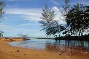 Águas Mansas: Saída da lagoa para a praia<br>