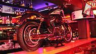 Motos espetaculares encantam fãs da velocidade