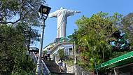 Escadas Levam até o Monumento