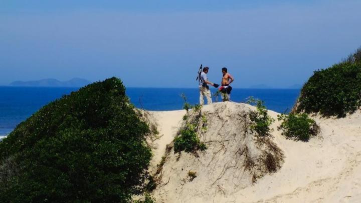Montes de areia chegam a 10 metros de altura