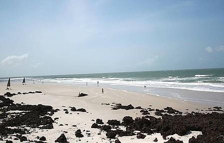 Praia da Princesa - Movimento graças aos bons ventos e barracas