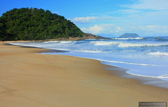 Imperdível praia de São Sebastião.