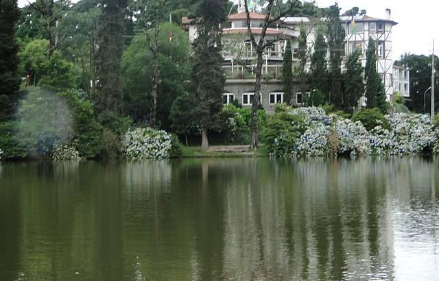 Passeio de pedalinho no Lago Negro