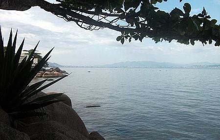 Praia de Sambaqui
