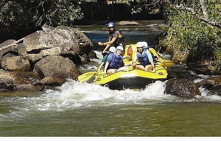 Rafting - aventura acontece nas corredeiras do rio do Peixe