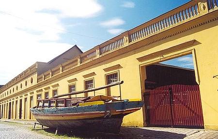 Museu Nacional do Mar - Maior atrativo da vila conta a história da navegação
