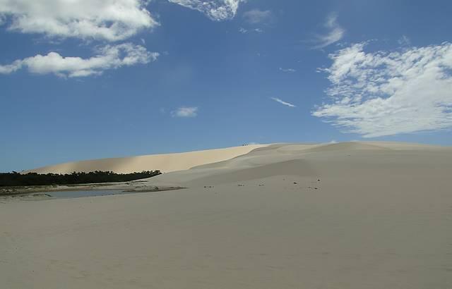 Vis�o espetacular das dunas j� chegando em Tatajuba