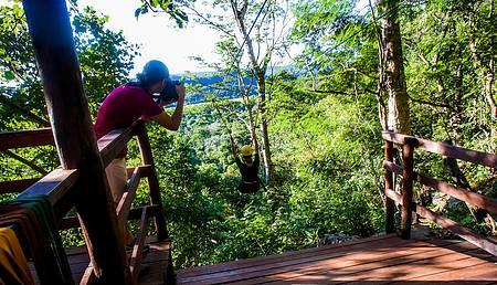 Cachoeira da Serra Azul - Adrenalina ao longo dos 700 metros de tirolesa