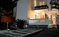 Casa é uma das poucas à beira-mar em Ipanema