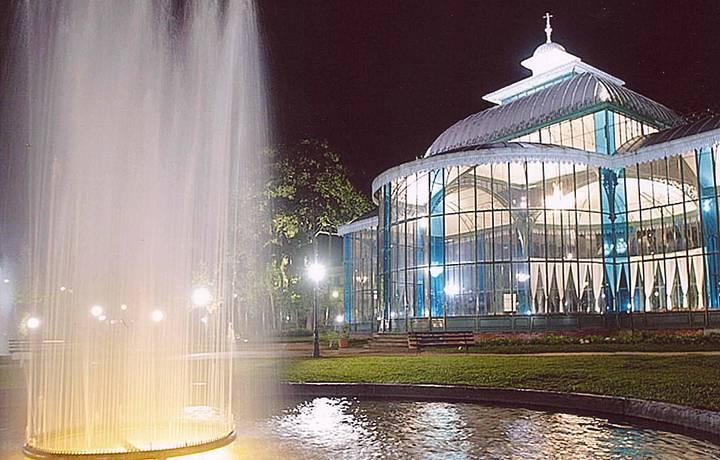 Palácio de Cristal é cenário de eventos culturais
