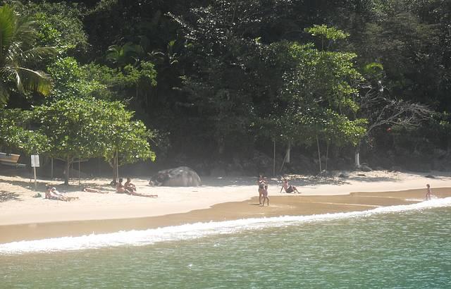 Bela praia para banho