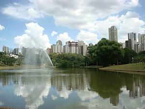 Parque Vaca Brava: Bela �rea verde no meio da cidade<br>