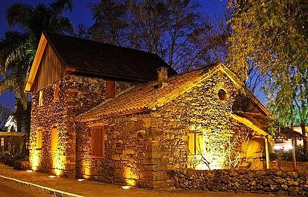 Casa de Pedra - Construção histórica remete à chegada dos colonos