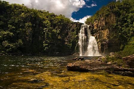 Saltos do rio Preto - Salto do Rio Preto 1 tem 120 metros