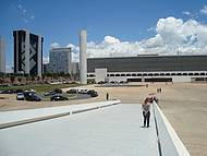 Biblioteca Nacional ao Fundo