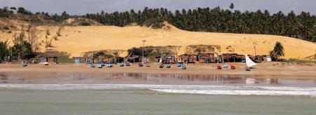Praias do Sol - Mar, dunas e coqueiros se misturam na paisagem