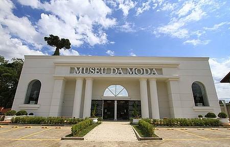 Museu da Moda - Fachada remete aos ateliês de grandes estilistas