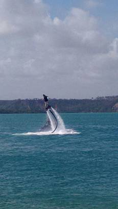 Flyboard na Praia do Gunga