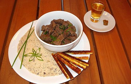 Artha Cultura Gastronômica - Mignon flambado na cachaça