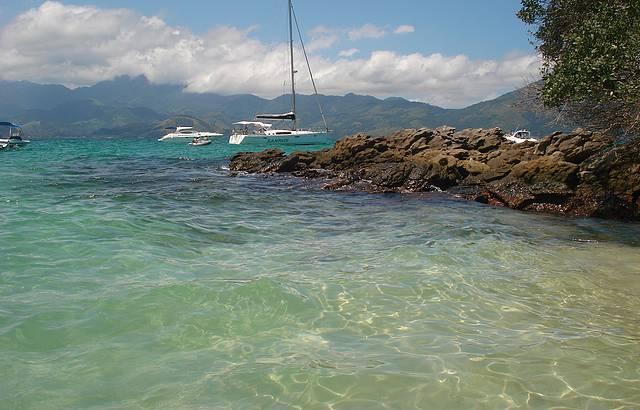 Passeio de Barco pela Ilha