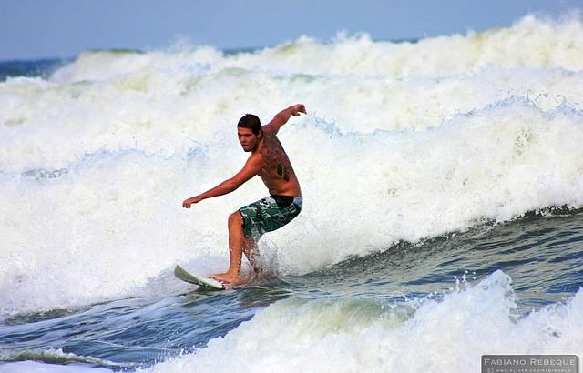Surfista em S�o Sebasti�o.