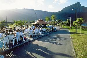 Programa de carioca - curtir a Lagoa, ir as livrarias do Leblon, tomar chopp